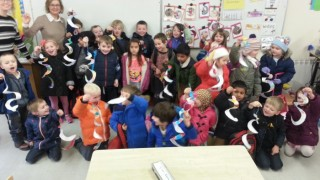 Paulas' Senior Infants with their pattern snakes r